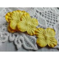 Цветок Гортензия желтый, 3 см