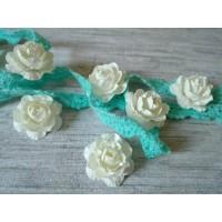 Цветы ручной работы Розы белые 2,5 см, 6 шт