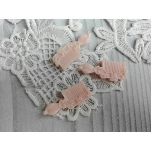 купить фигурку из пластика Расческа светло-розовая