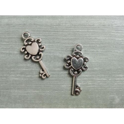 Металлический декор Ключ №8 Серебро 2х1см фото