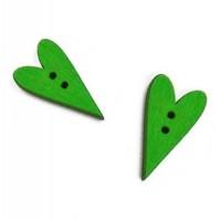 Пуговица деревянная Сердечко зеленое