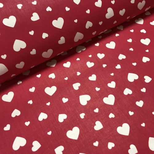Ткань хлопок Сердца белые на красном фоне фото