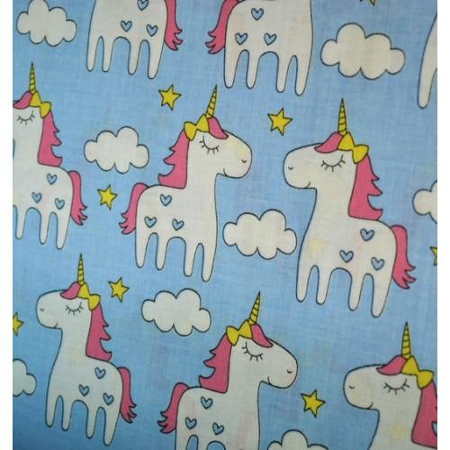 Ткань хлопок Единороги на голубом фоне, 40*50 см