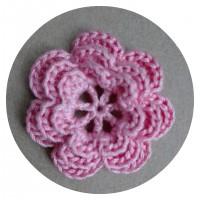 Вязаный декор Цветок трехслойный Розовый, 3,8 см