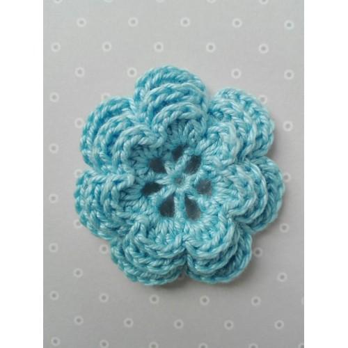 Вязаный цветок 11 (3 слоя) 3,8 см, голубой