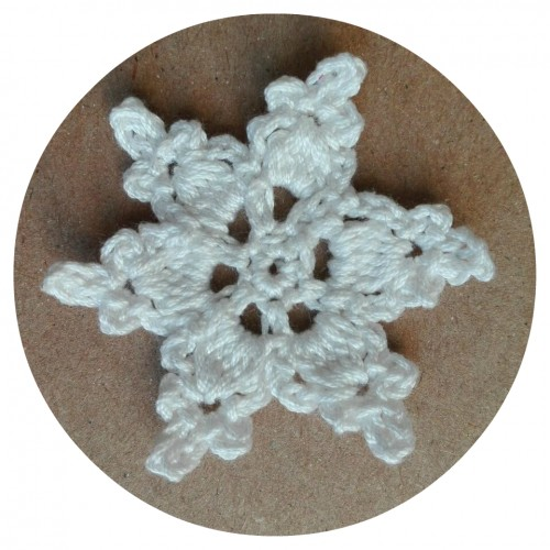 Вязаный декор Снежинка Белая фото