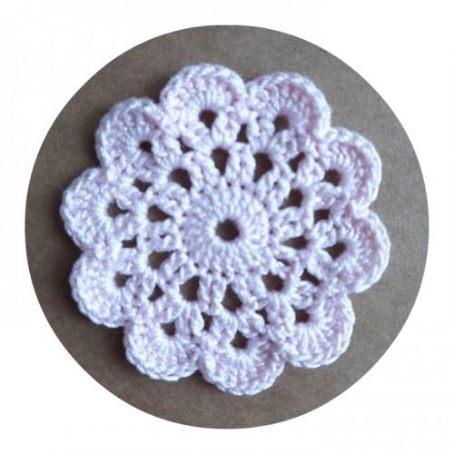 Вязаный декор Салфетка розовая, 5 см