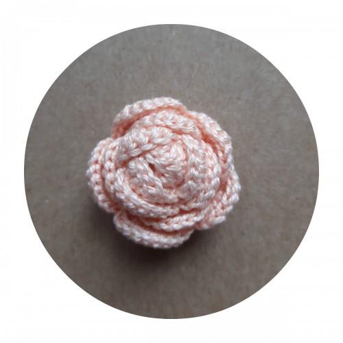 Вязаный декор Роза персиковая