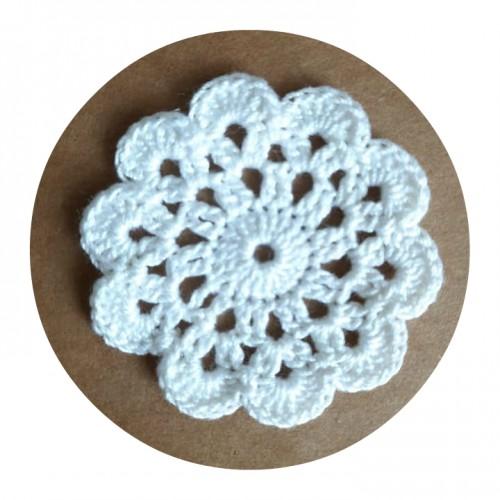 Вязаный декор Салфетка белая, 5 см