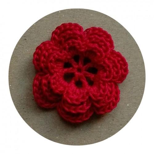 Вязаный декор Цветок трехслойный Красный фото