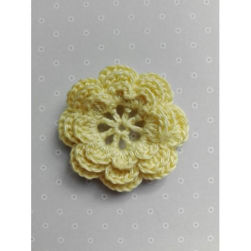 Вязаный цветок 8 (3 слоя) 3,8 см, желтый